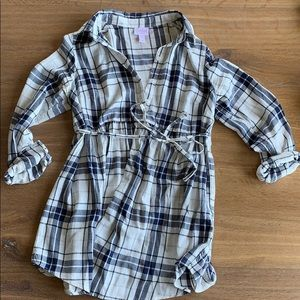 Ingrid & Isabel maternity button down tunic small